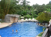 Quito resorts, Arasha Resort & Spa pool