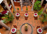 Quito Hotels, Catedral Internacional Hotel patio